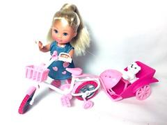 (Bubblegum18) Tags: evi steffi doll bicycle accessories pet