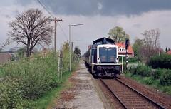 211 309 Mühlen (Oldb) (A. Lippincott) Tags: mühlen kreis vechta baureihe 211 v100 diesel nebenbahn deutsche bundesbahn nahverkehr zug train