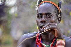 20180925 Etiopía-Turmi (872) R01 (Nikobo3) Tags: áfrica etiopía turmi etnias tribus people gentes portraits retratos culturas color tradiciones travel viajes nikon nikond800 d800 nikon7020028vrii hamer
