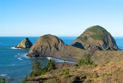 Oregon coast near Gold Beach (Randy Gardner 88) Tags: oregon coast pacificocean pacificcoast pacific rocks 101 water ocean