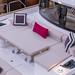 Ausgefallenes Konzept eines Yacht-Bugs aus Liegefläche mit ausfahrbarem Tisch