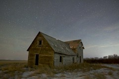 Old House and Comet Wirtanen 46P (John Andersen (JPAndersen images)) Tags: alberta comet december night vulcan