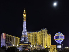 Super Blood Moon Over the Paris Hotel Las Vegas (Barbara Brundage) Tags: super blood moon over paris hotel las vegas