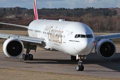 Boeing 777-300ER A6-EGF Emirates (Mark McEwan) Tags: boeing b777 boeing777 boeing777300er tripleseven a6egf emirates edi edinburghairport edinburgh aviation aircraft airplane airliner