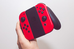 switch controller [Day 3698] (brianjmatis) Tags: console nintendo controller photoaday videogame switch game hand project365 sanluisobispo california unitedstatesofamerica us