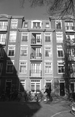 Sunny house (Arne Kuilman) Tags: amsterdam nikon fm3a vivitar 28mm luckyshd iso100 id11 7minutes homedeveloped stock analogue film depijp