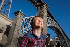 DSCF1574 (Ktoine) Tags: bridge angle kid child face portugal porto