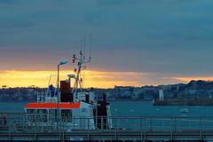 Port de St Malo (dominique 15) Tags: bateau ciel phare st malo