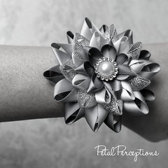 Beautiful handmade wrist corsages that can be customized to match your #wedding, #prom, or any special occasion. Makes a beautiful keepsake #gift! https://t.co/v2LmWG2btg https://t.co/djOanbSpeS (petalperceptions.etsy.com) Tags: etsy gift shop fashion jewelry cute