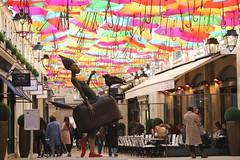 Le Village Royal - Paris (02/2019) (eguilmard) Tags: villageroyal parapluie umbrella architecture art france paris