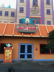 Krusty Burger is yet open (daveynin) Tags: amusementpark california hollywood universalstudios simpsons theme thesimpsons krusty burger hamburger fastfood clown springfield food
