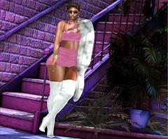 Fashion Advisory #239 The Show Stopper (Fashion Advisory) Tags: queenz reign davidheather kibitz iconic garbaggio secondlife slfashion slfashon virtual