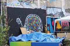 Matt Thieu_5292 rue Etex Paris 18 (meuh1246) Tags: streetart paris animaux mattthieu rueetex paris18 tortue chapeau