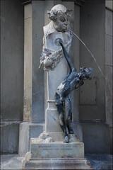 Fuente en Múnich (Baviera, Alemania, 18-7-2016) (Juanje Orío) Tags: 2016 múnich baviera alemania germany deutschland europa europe europeanunion unióneuropea fuente fountain escultura sculpture desnudo nude