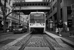City In Motion (Ian Sane) Tags: ian sane images cityinmotion mass transit max train trimet car passengers sky bridge galleria downtown portland oregon people monochrome blackwhite street photography southwest morrison 10th canon eos 5ds r camera ef1740mm f4l usm lens