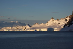 IMG_6897 (y.awanohara) Tags: cuvervilleisland cuverville antarctica antarcticpeninsula icebergs glaciers blue january2019