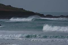 3KB13353a_C (Kernowfile) Tags: pentax conwall cornish stives porthmeorbeach sea waves breakingwaves spray foam spindrift rocks sky cliffs manshead clodgy