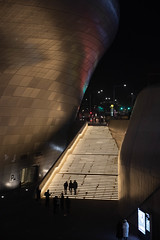 (miss_michelle) Tags: architecture asia design dongdaemun korea seoul southkorea zahahadid people