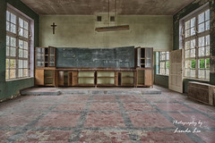 School´s out (Photography by Linda Lu) Tags: schule school lostplace lostplacesbelgium abandoned decay decayindetail urbex urban urbanexploring