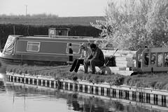 FishingTalk (Tony Tooth) Tags: nikon d7100 nikkor 55300mm canal fishing fishermen trentmerseycanal swarkestone swarkestonelock derbyshire bw blackandwhite monochrome people talking discussion teteatete