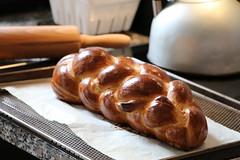 Fletschhornzopf (letizia.lorenzetti) Tags: fletschhornzopf zopf butterzopf homemade homemadebylelo sonntag backen brot bread baking