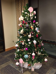 2018 YIP Day 339: Providence tree (knoopie) Tags: 2018 december iphone picturemail christmastree johngabrielhouse holiday christmas 2018yip project365 365project 2018365 yiipday339 day339