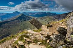Snowdonia 5 (Pixelkids) Tags: snowdonia wales hiking mountsnowdon view bergwelt berge gebirge wolken himmel felsen landschaft berglandschaft landscapewithrocks