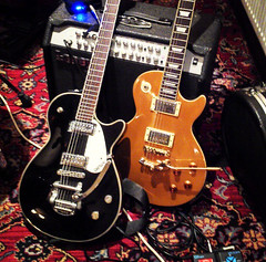Gretsch Electromatic, 2002 Epiphone Les Paul Goldtop with Duesenberg trem (gretschplayer) Tags: guitar goldtop duesenberg lespaul epiphone gretsch