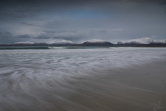 Sea in slow motion (mvj photography) Tags: scotland ecosse isleofharris outerhebrides mountains montagne neige snow mer sea seascape seashore plage beach waves vagues poselongue longexposure
