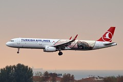 """""""Çanakkale"""" Turkish Airlines TC-JTP Airbus A321-231 Sharklets cn/7516 Painted in """"The Year of Troy"""" special colours Apr 2018 - Jan 2019 @ LTBA / IST 25-11-2018 (Nabil Molinari Photography) Tags: çanakkale turkish airlines tcjtp airbus a321231 sharklets cn7516 painted theyearoftroy special colours apr 2018 jan 2019 ltba ist 25112018"""