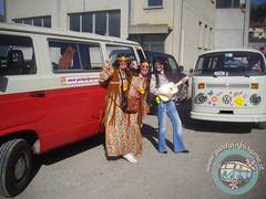 Aspettando di sfilare... (partyinfurgone) Tags: affitto carnevale cocktail epoca evento furgone hippie limousine maschera varzi noleggio openbar promo promozione pubblicità pulmino storico vintage volkswagen vw