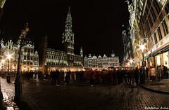 Grand-place (Bruselas) (estefiavilam) Tags: brussels bruselas grandplace landscape belgica travel nikon amazing wonderful noche night nikond5200 belgium europe