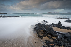 Le mouvement des marées (mvj photography) Tags: scotland ecosse harris outerhebrides sea seascape seashore rocks longexposure poselongue beach slowwater