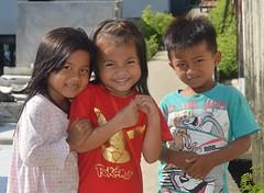 cute children (the foreign photographer - ฝรั่งถ่) Tags: three cute children street khlong lard phrao portraits bangkhen bangkok thailand nikon d3200 happyplanet asiafavorites