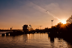 Sunset in Kiel (kuestenkind) Tags: kiel sonnenuntergang sunset sonne förde balticsea ostsee kreuzfahrer meinschiff2