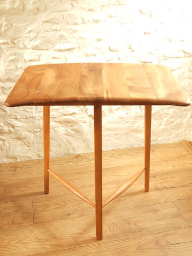"""Ercol Elm & Beech 50's tripod end table model 265.Excellent. • <a style=""""font-size:0.8em;"""" href=""""http://www.flickr.com/photos/69514980@N03/46791209434/"""" target=""""_blank"""">View on Flickr</a>"""