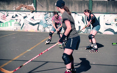 Sydney Roller Hockey Chicks Club (Kate Farquharson) Tags: 35mm minoltadynax300si kodakportra160 sydney 2018 rollerhockey streetrollerhockeychicksclub hockey skating waterloo graffitti grungy innercity