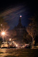 Lunar Eclipse January 2019 in Worms (Marc Braner) Tags: ifttt 500px street light city cityscape building exterior famous place monument moon lunar eclipse blood 2019 20190121 night sky full worms germany rhinelandpalatinate tower town square illuminated water wasserturm