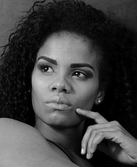 IMG_9865 (melchor.monteverde) Tags: canon canon7d beauty venezuelanbeauty model modellife glamour highcontrast elinchrom silouette beautyqueen curlyhair highkey photopose photoshoot portrait blackandwhite bw photooftheday picoftheday photosessions