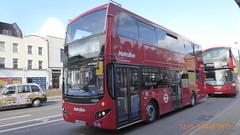P1150045 VMH2564 LA68 DXD at Angel Station Upper Street Islington London (LJ61 GXN (was LK60 HPJ)) Tags: metroline volvob5lhybrid mcv evoseti mcvevoseti 105m 10490mm vmh2564 la68dxd nb969