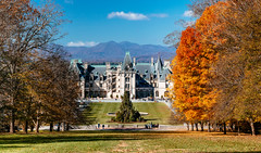 Biltmore Estate [11.10.18] (Andrew H Wagner | AHWagner Photo) Tags: 5dmk3 5d3 5dmkiii 5dmarkiii 5dmark3 canon eos 135l 135mm f2 f2l biltmoreestate biltmorehouse biltmore asheville northcarolina nc ashevillenc house estate winter christmas fall autumn nature trees orange mountains valley beautiful panorama pano stitched wealthy historical historicalhousemuseum museum mansion blueridgeparkway blueridgeparkwaynationalpark nationalpark outdoors landscape