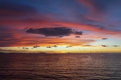 Sunset in the Indian Ocean / Закат в Индийском океане (dmilokt) Tags: природа nature пейзаж landscape море sea закат рассвет восход sunset sunrise dmilokt red красный