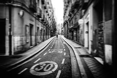 Los límites (una cierta mirada) Tags: street valladolid bnw blackandwhite signals road people solitude city urban drama contrast canon eos 6d ef28mm f18 absoluteblackandwhite