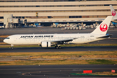 Japan Airlines Boeing 767-346(ER)  JA610J (Mark Harris photography) Tags: spotting hnd haneda japan jpn plane canon aviation