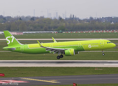 S7 Airlines A321-200N VQ-BGR (birrlad) Tags: dusseldorf dus international airport germany aircraft aviation airplane airplanes airline airliner airways airlines arrival approach arriving finals landing landed runway airbus s7991 moscow domodedovo siberian a21n a321200n a321271n neo vqbgr s7