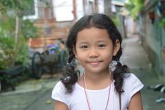 pretty girl (the foreign photographer - ฝรั่งถ่) Tags: pretty girl child path street khlong thanon portraits bangkhen bangkok thailand nikon d3200 happyplanet asiafavorites