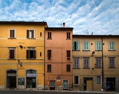 Ascoli Piceno vecchio quartiere (Stefano Picchioni) Tags: ascolipiceno macroinsectes paysagesurbains streetart vacancesitalieabruzzo architecture personnes photoderue urbex