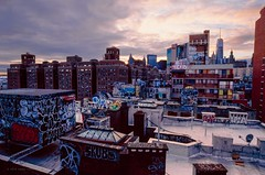 City Canvas, Dec 2019 (Raphe Evanoff) Tags: skyline sky sundown sunset landscape urban 3 eos canon kodak e100 ektachrome graffiti manhattan nyc