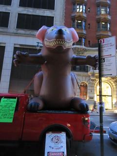 2019 Giant Strike Rat Weasel Balloon 44th St 3168