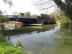 UK - Oxfordshire - Oxford - Bridge over River Thames (JulesFoto) Tags: uk england oxfordshire centrallondonoutdoorgroup clog oxfordriverthames thamespath bridge oxford riverthames